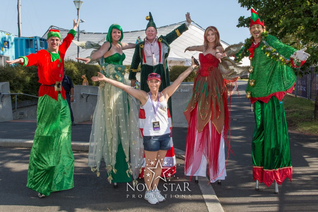 nova-star-christmas-stilt-walkers